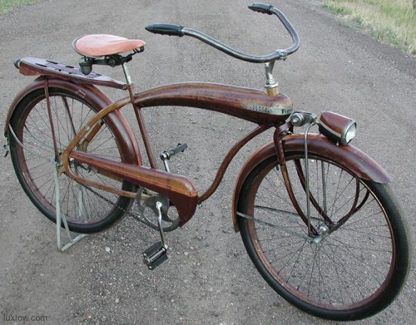 Firestone Super Cruiser Bicycle http://luxlow.com/bicycles/1941-firestone-bull-nose-super-cruiser/